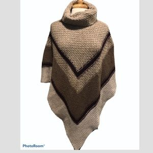 Sweaters - Ladies knitted poncho